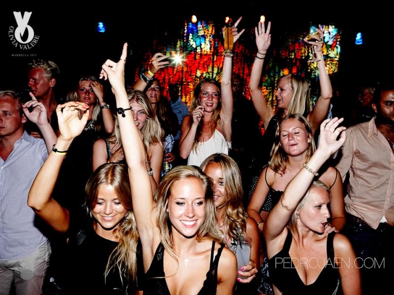 горячие вечеринки в ночном клубе